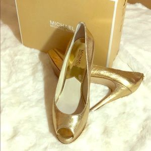 Michael Kors🧡 Gold Metallic Leather Platform Heel